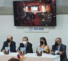 """El CLAD presenta el libro """"El burócrata disruptivo: para comprender la administración pública"""" escrito por Francisco Velázquez"""